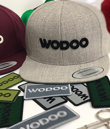 wodoo gorra bordado
